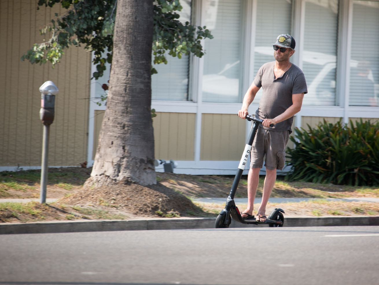 LA's transportation department is set to begin issuing 12-month permits next week to dockless companies.