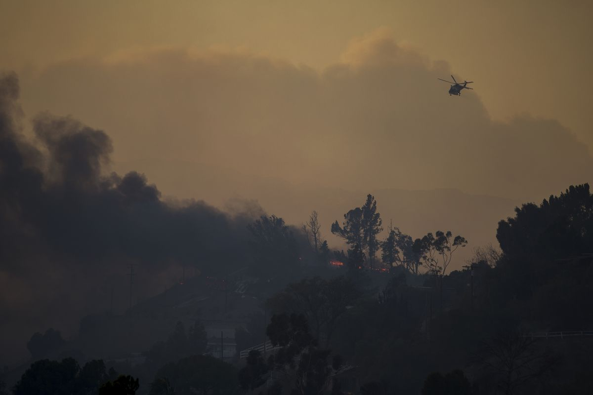 New brush fire threatens homes near Getty Center in west Los Angeles