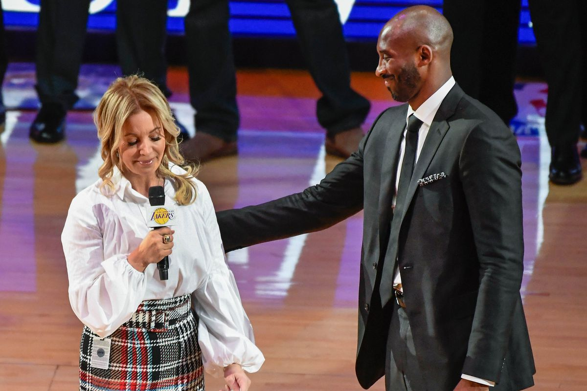 lakers kobe bryant likened jeanie buss to khaleesi after signing