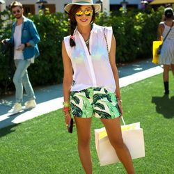 """Chriselle of <a href=""""http://thechrisellefactor.com/"""">The Chriselle Factor</a> in Juicy Couture shorts."""