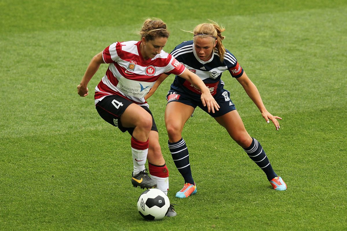 Camille Levin controlling the ball while playing for the Western Sydney Wanderers.