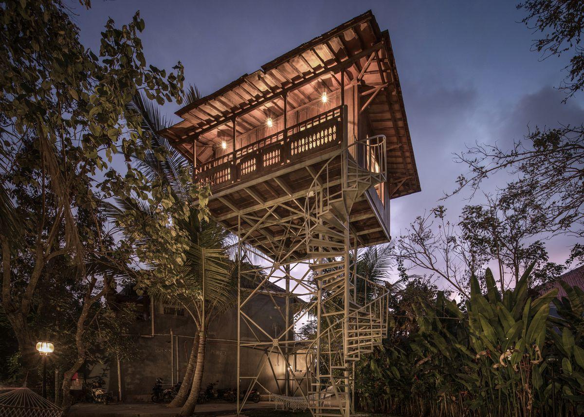 Treehouse on metal stilts.