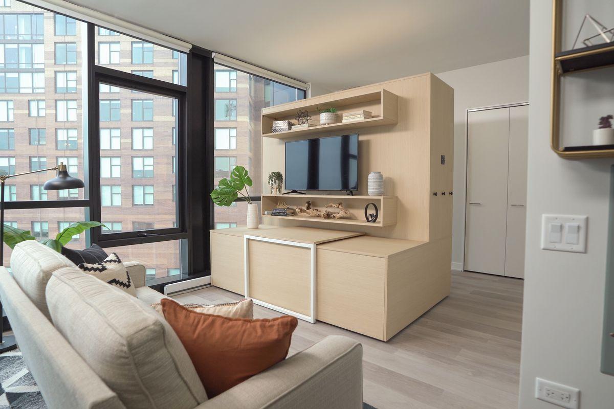 A room with modular furniture at Avenir.
