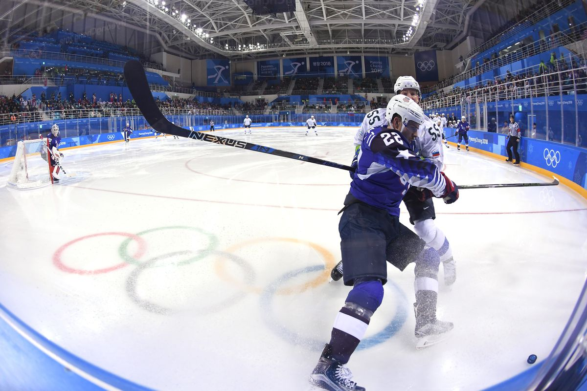 Russia, USA in intense Olympic hockey showdown