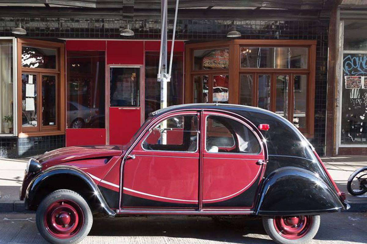 Neuf's antique Citroën