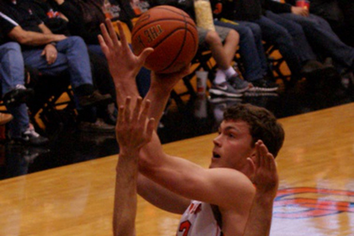 Oregon St.'s senior center Angus Brandt will have to red-shirt this season, after suffering a knee injury.
