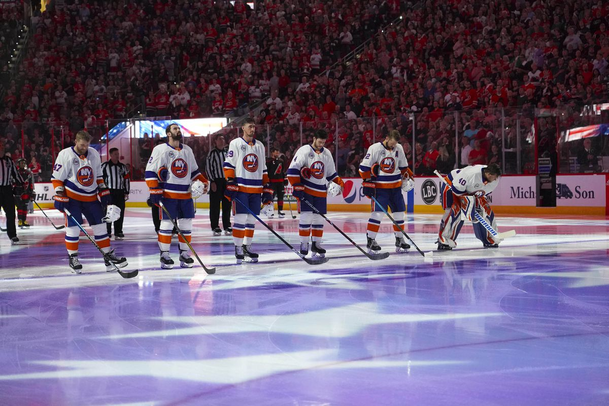 Which New York Islanders free agents will re-sign?
