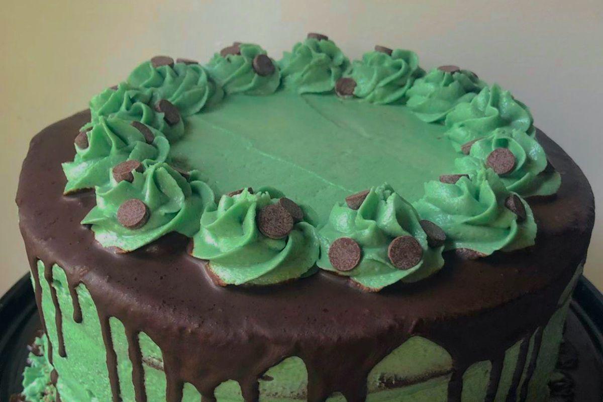 A whole mint and chocolate cake.