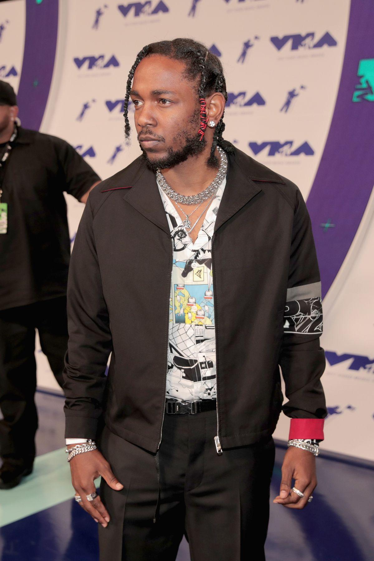 Kendrick Lamar at the MTV VMAs red carpet