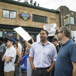 Mayoral challenger Troy LaRaviere joins anti-violence protesters   Ashlee Rezin/Sun-Times