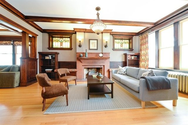 Own this well-preserved Arts & Crafts home in Ravenswood ...