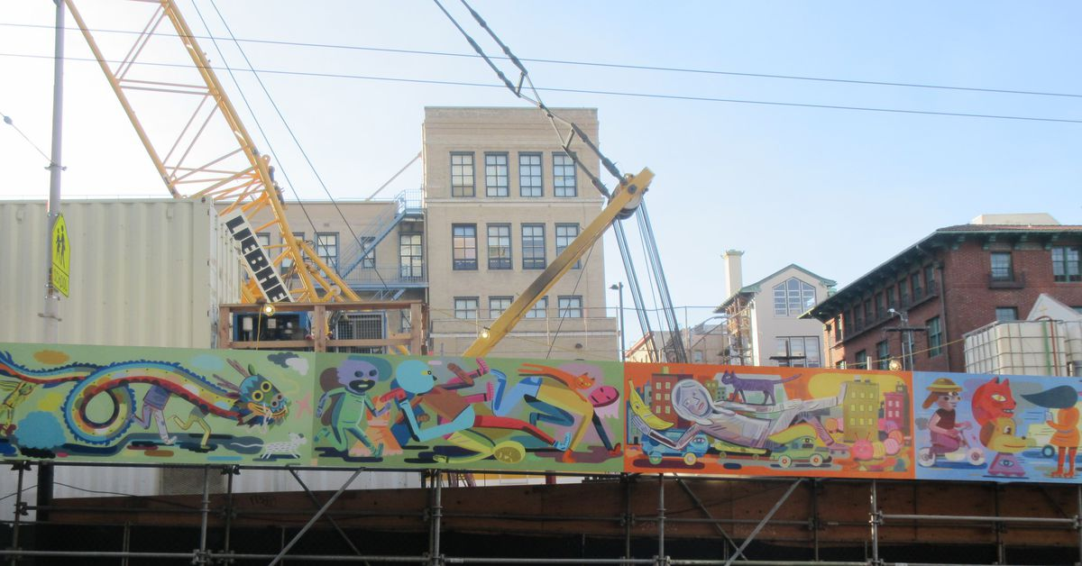 New mural graces chinatown subway build curbed sf for Chinatown mural chicago