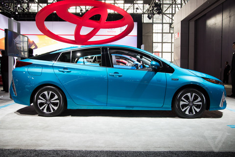 The Toyota Prius Prime's high-tech interior has a 'budget Tesla
