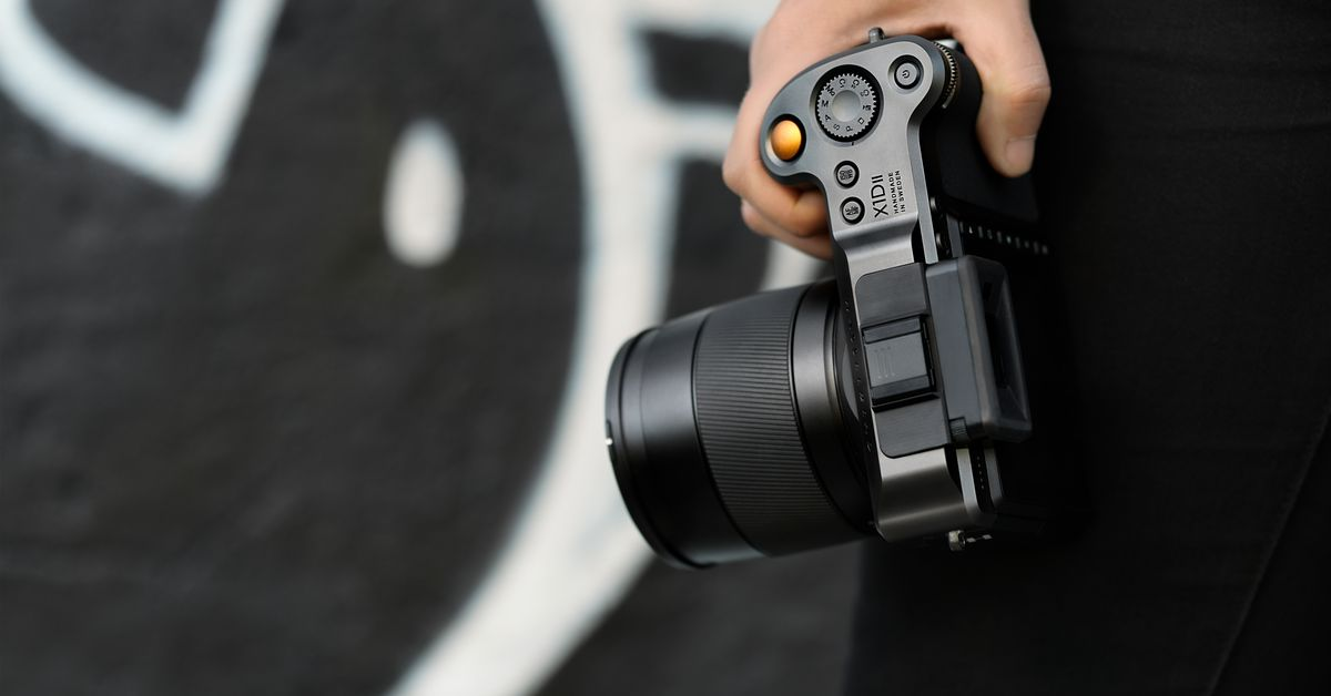 QnA VBage Hasselblad's new X1D II is a less expensive, faster medium format camera