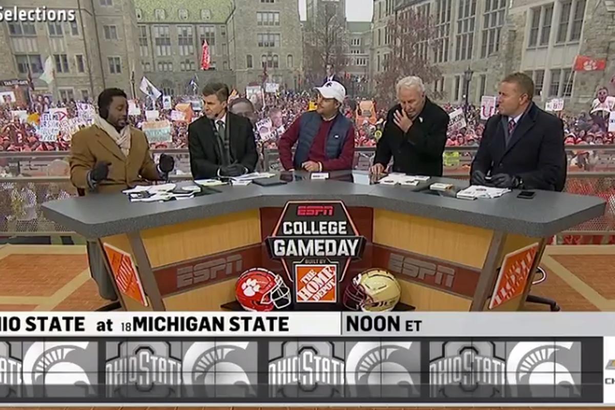 Experts pick Ohio State, Michigan State winner on ESPN ...