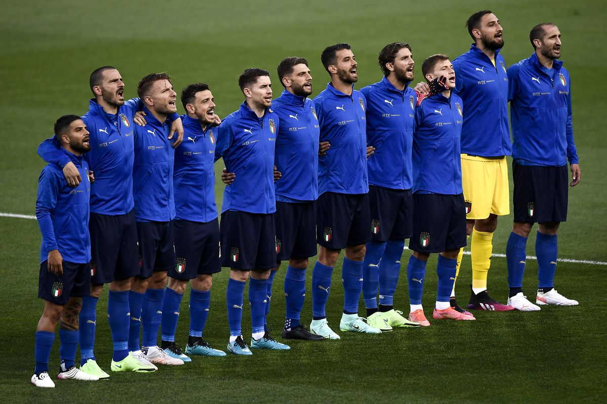 Players of Italy (L-R: Lorenzo Insigne, Leonardo Bonucci,...