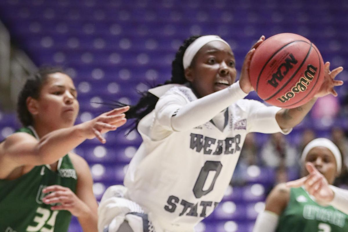 Jaiamoni Welch-Coleman passes the ball in a game earlier this season. Welch-Coleman came off the bench and dropped 11 points for Weber State in its 62-52 win over Air Force.