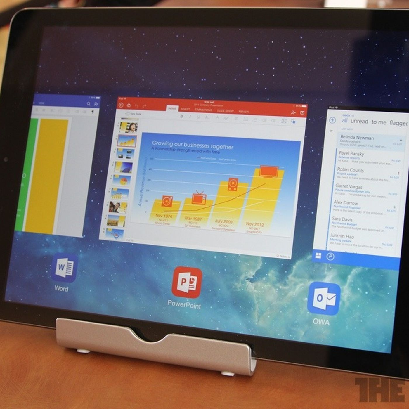 Microsoft unveils Office for iPad, free for reading and
