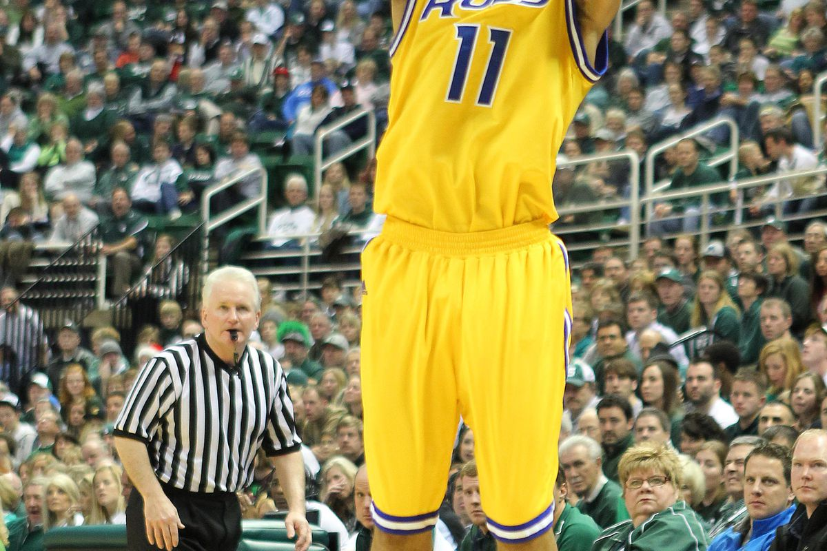 Estan Tyler and the UMKC Kangaroos look to play spoiler for the #4 Ohio State Buckeyes.