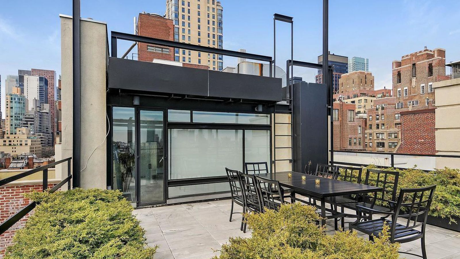 Architect paul rudolph s old beekman place penthouse asks for Townhouse for rent nyc