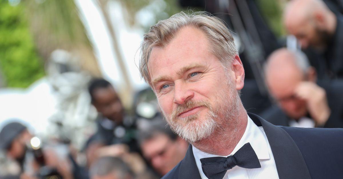 Christopher Nolan should release Tenet online