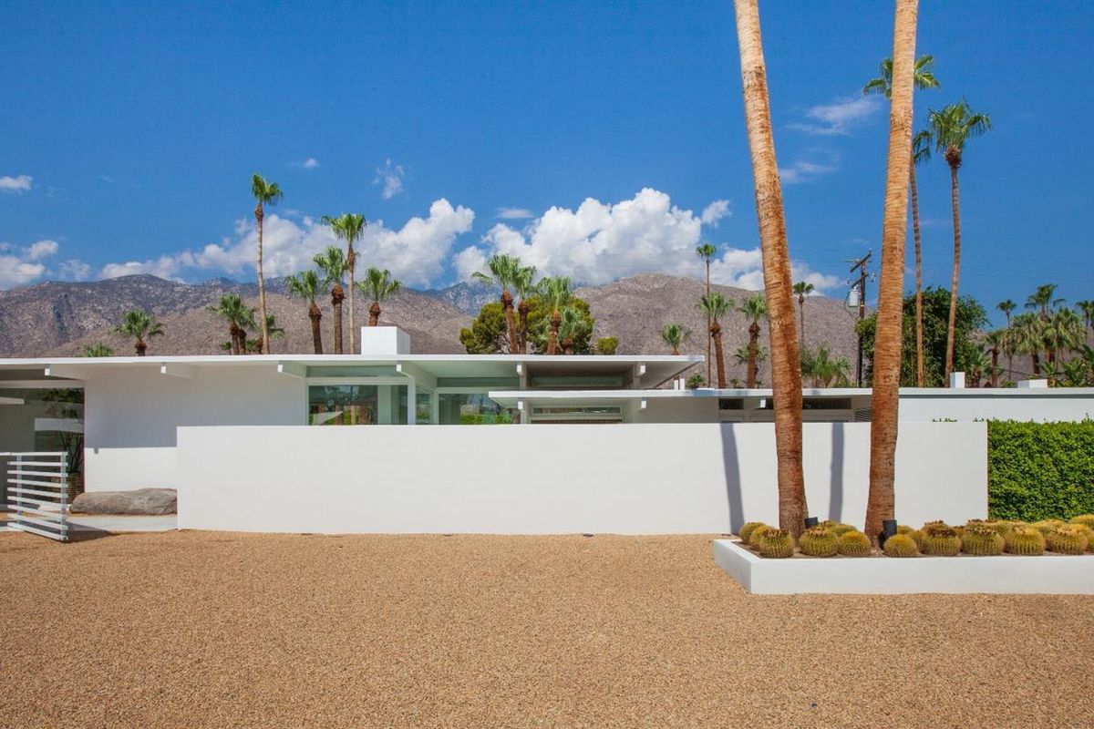 Palm Springs Midcentury Stunner With Ties To Hollywood Asks 3 7m Curbed: a sprawling modern home in bangkok
