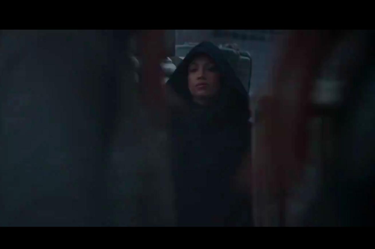 Screen Shot 2020 09 15 at 1.37.25 PM.0 - Everyone thinks Sasha Banks is Rosario Dawson in 'The Mandalorian' trailer