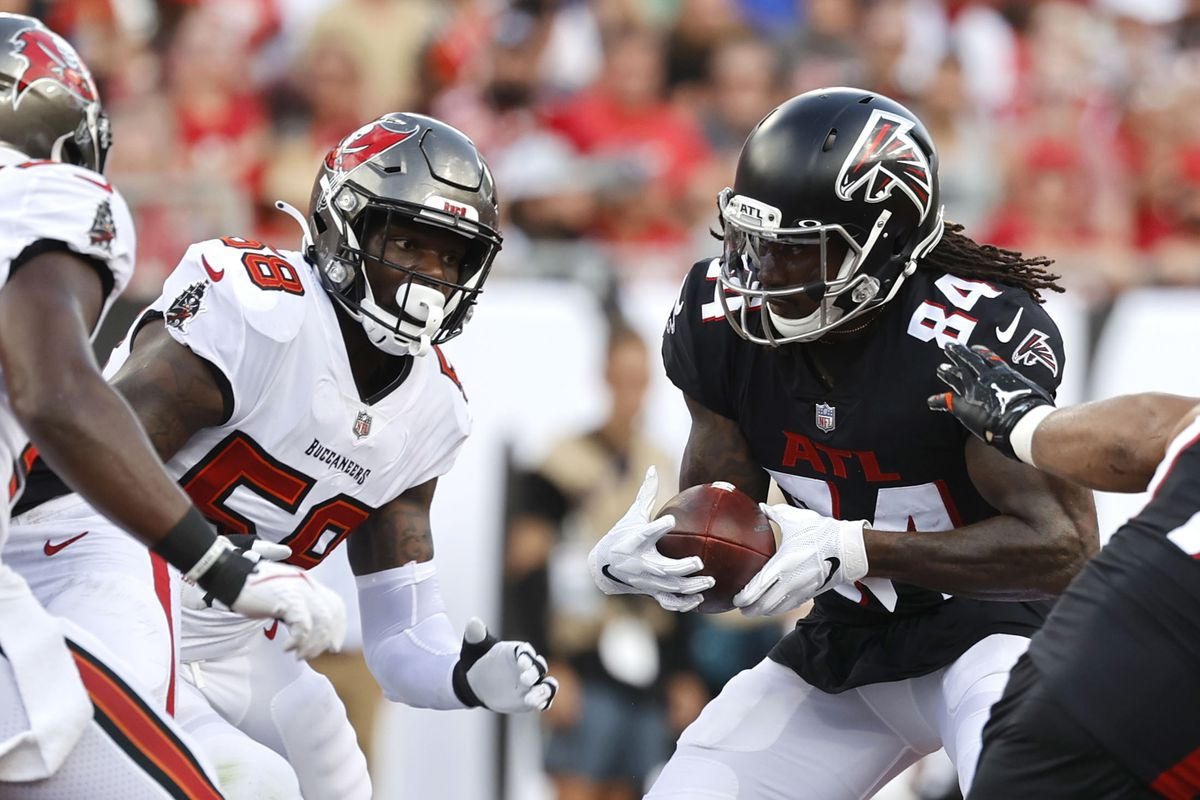 Atlanta Falcons running back Cordarrelle Patterson (84) runs with the ball against the Tampa Bay Buccaneers during the first half at Raymond James Stadium.