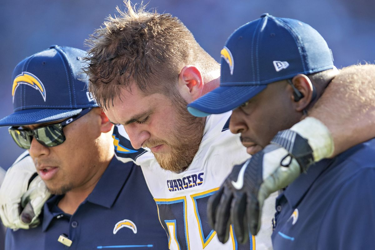 Los Angeles Chargers v Tennessee Titans