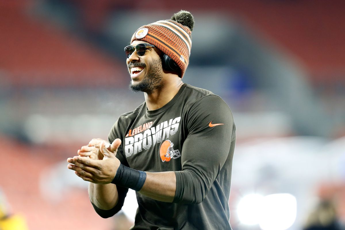 Browns officially sign DE Myles Garrett to contract extension ...