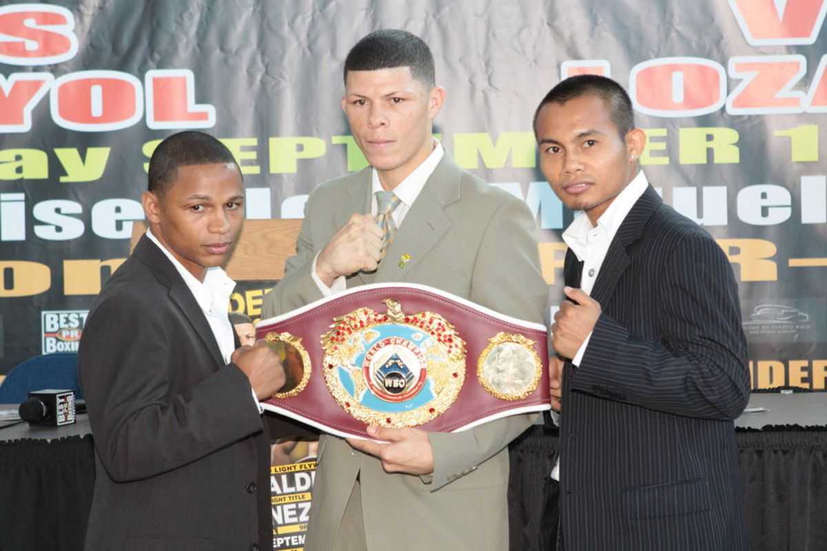 Ivan Calderon and Rodel Mayol (seen here with Roman Martinez in the middle) will meet for a second time on September 12 in Puerto Rico.