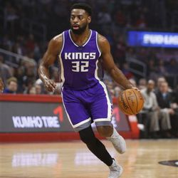 Sacramento Kings guard Tyreke Evans dribbles against the Los Angeles Clippers during the first half of an NBA basketball game, Sunday, March 26, 2017, in Los Angeles. (AP Photo/Danny Moloshok)