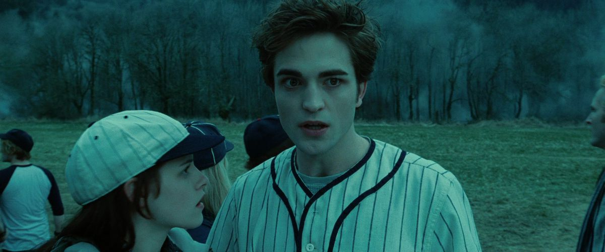 Robert Pattinson's Twilight character Edward plays baseball