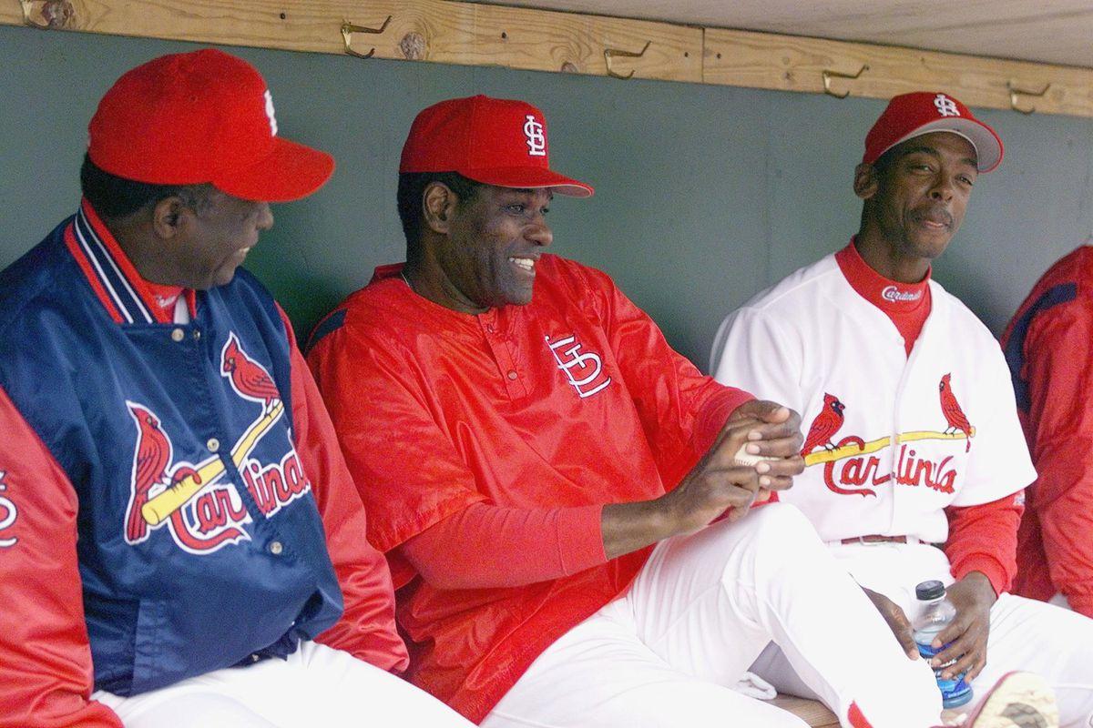 Bob Gibson (center)
