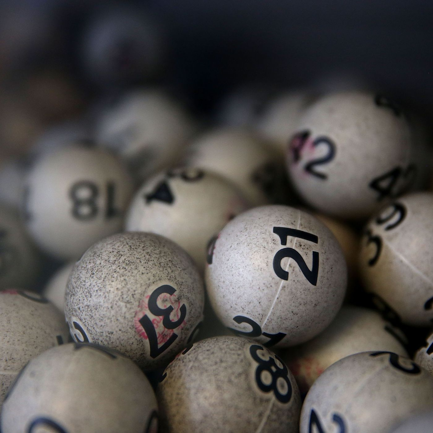 4 ways the lottery preys on the poor - Vox