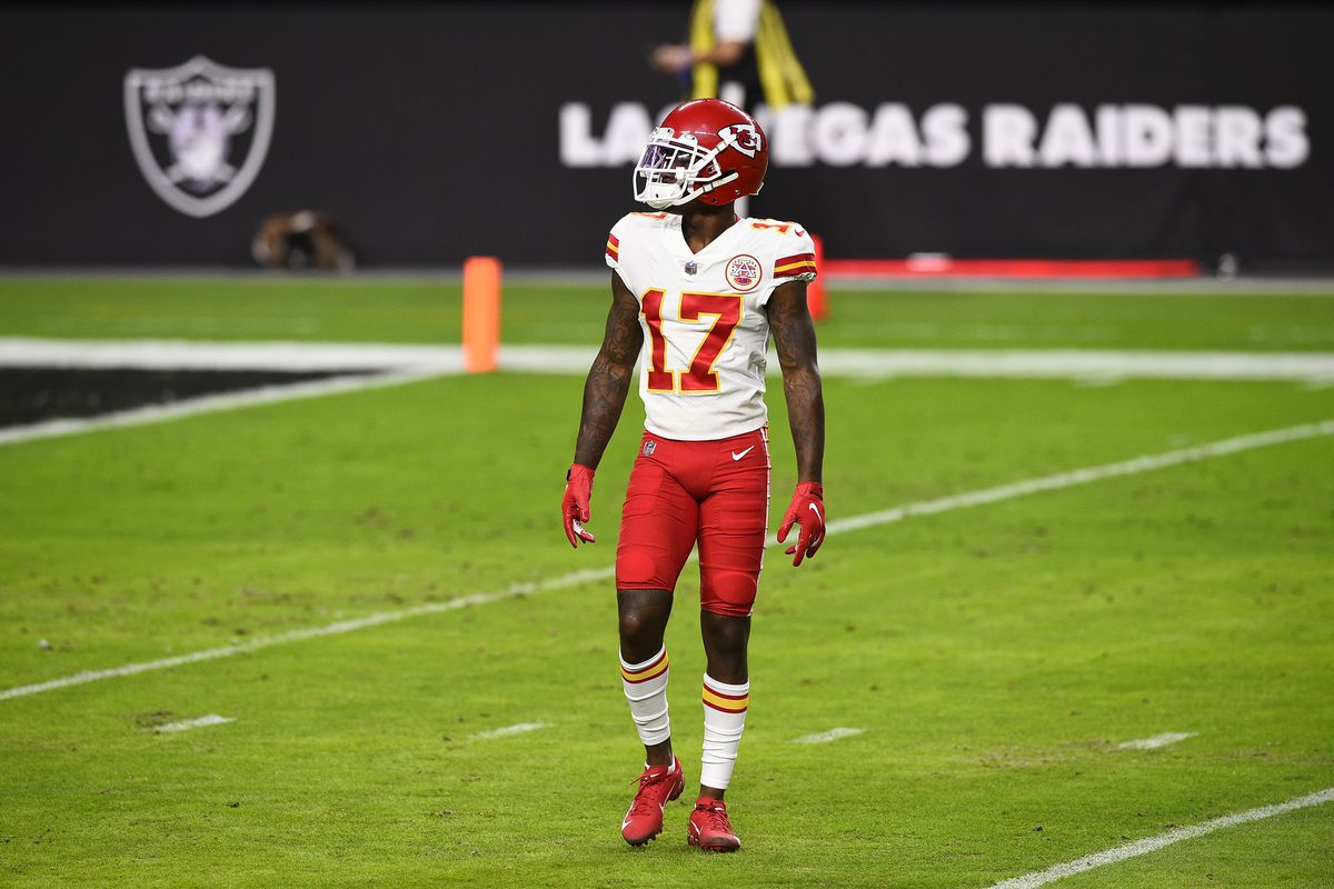 Wide receiver Mecole Hardman #17 of the Kansas City Chiefs warms up before a game against the Las Vegas Raiders at Allegiant Stadium on November 22, 2020 in Las Vegas, Nevada.