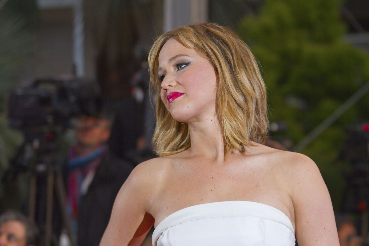 Artist Cancels Exhibition Of Nude Pictures Stolen From Jennifer Lawrence And Kate -8884