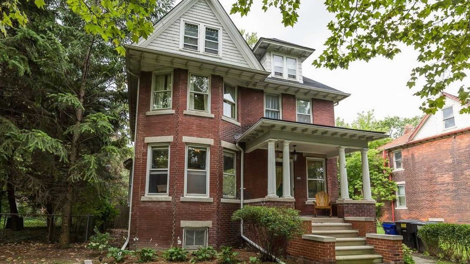 Sweet 109 year old Woodbridge home asks 269K