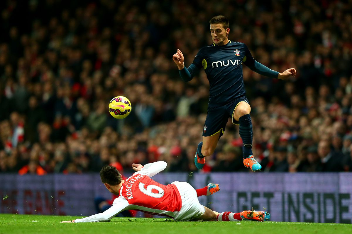 Will Southampton remain in the Top 4 on New Year's Day, or will Arsenal overtake them?