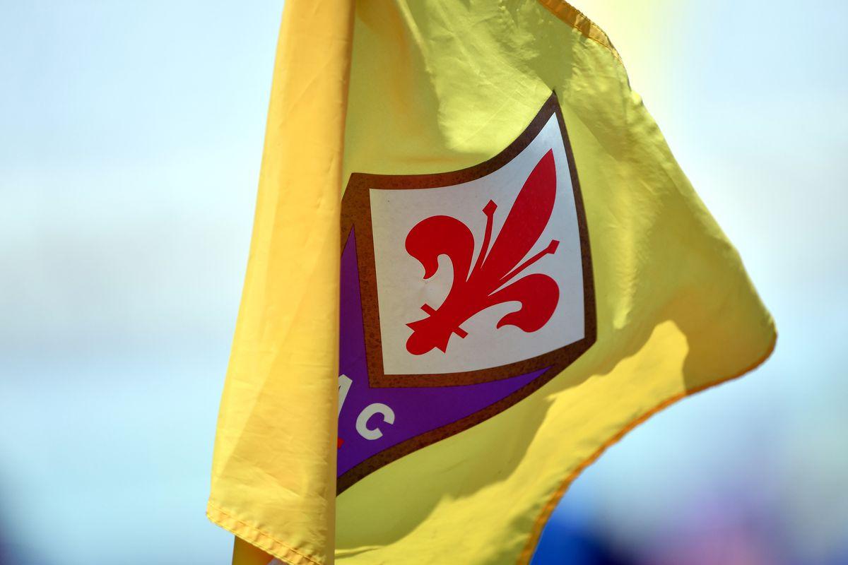 ACF Fiorentina logo is seen printed on the corner flag...