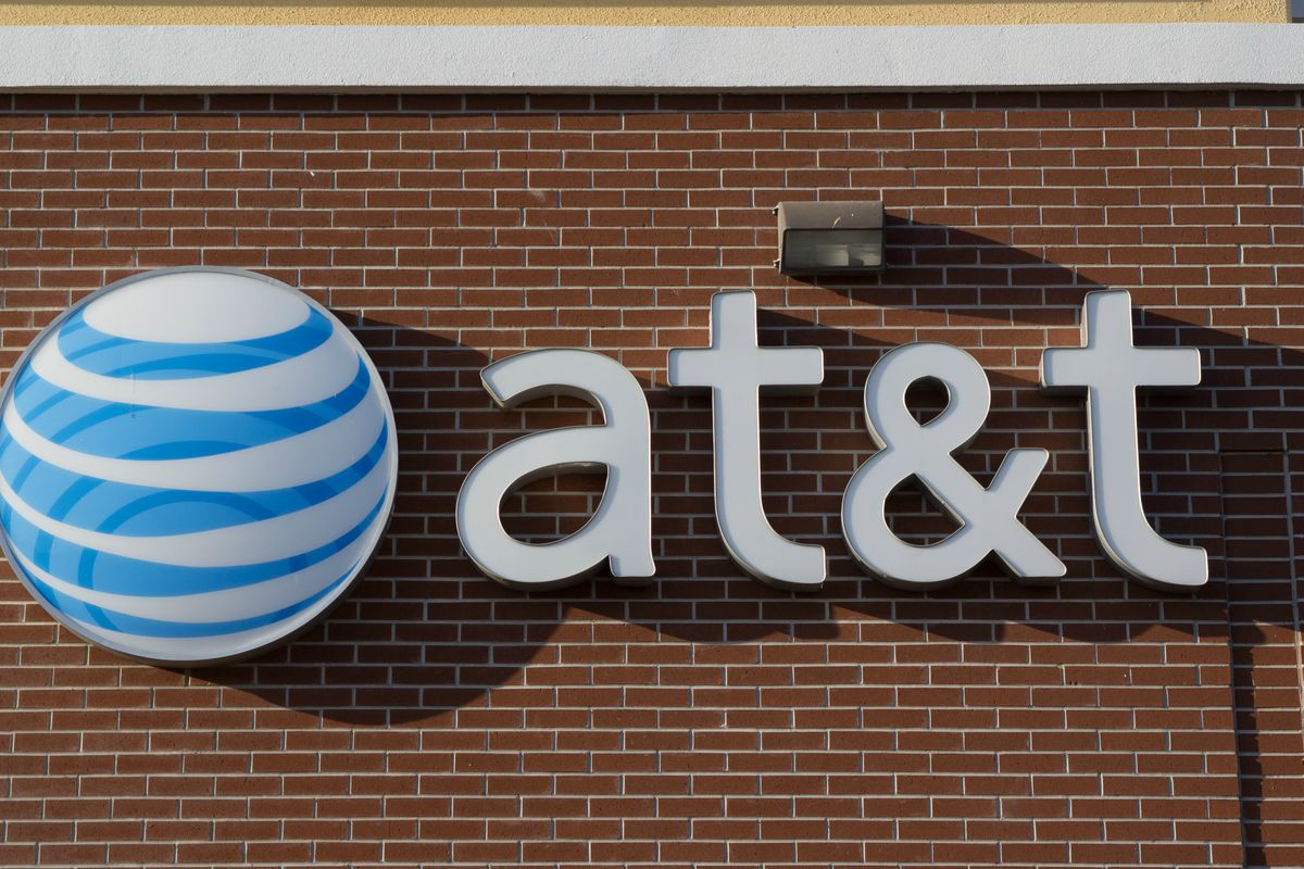 AT&T CEO Doesn't See How Regulators Approve Sprint/T-Mobile Deal