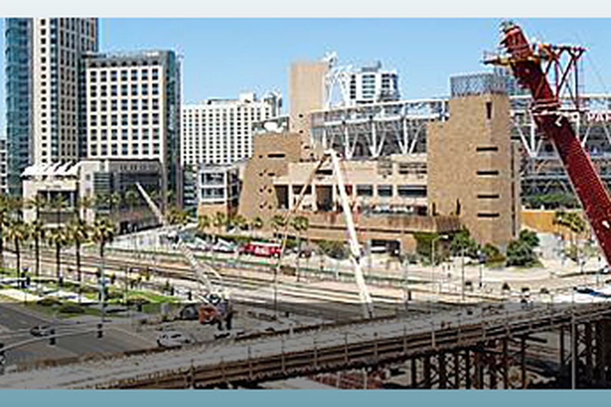 """via <a href=""""http://www.ccdc.com/templates/ccdcjtemplate/images/title-images/projects/major-downtown-projects/harbor-drive-pedestrian-bridge.jpg"""">www.ccdc.com</a>"""