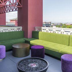 Standard & Pour's patio