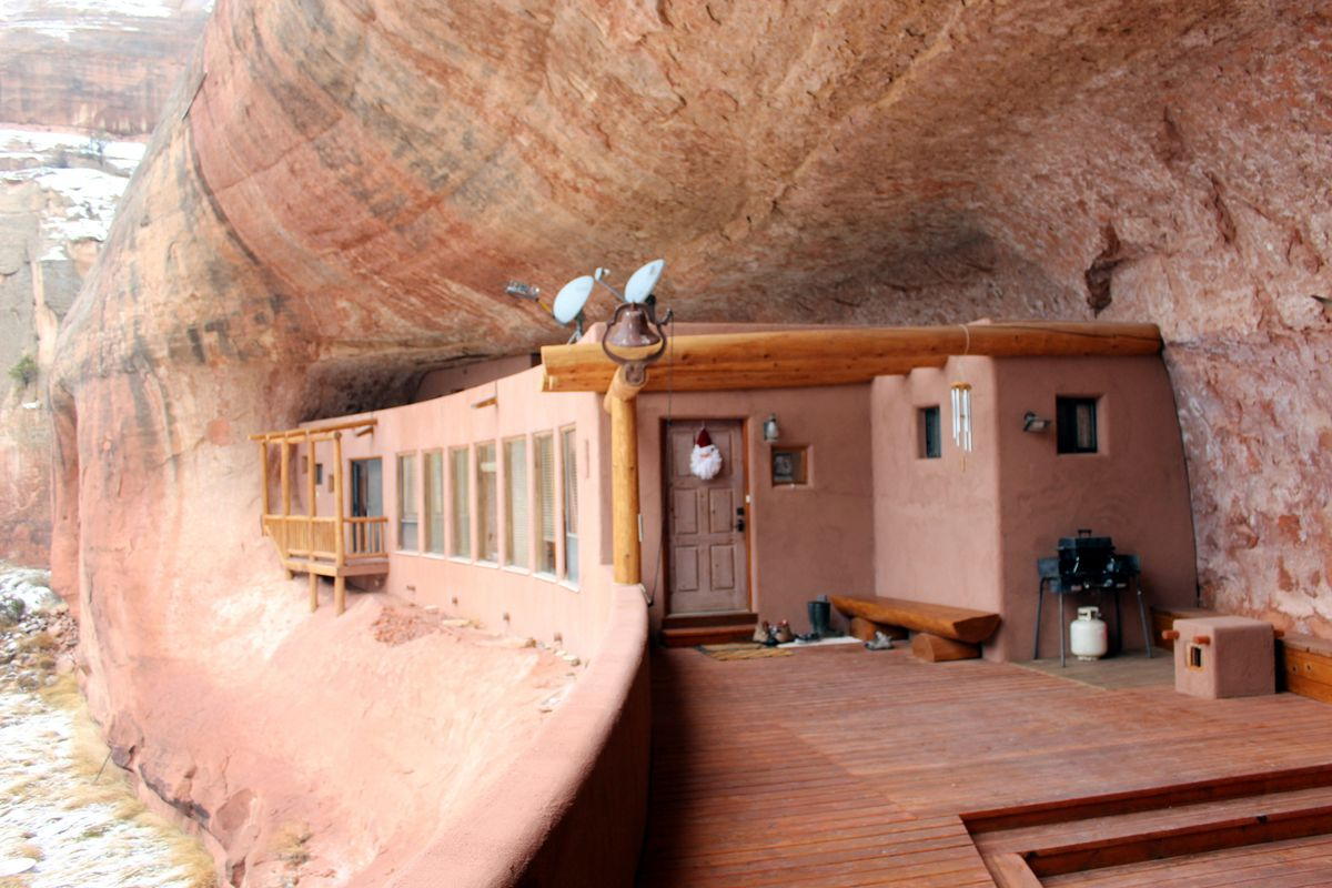 This cliff house in Utah is the ultimate off-grid escape - Curbed