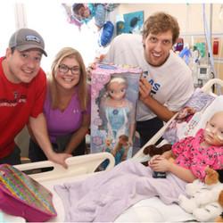 Dirk Nowitzki meeting with a HopeKids Texas child