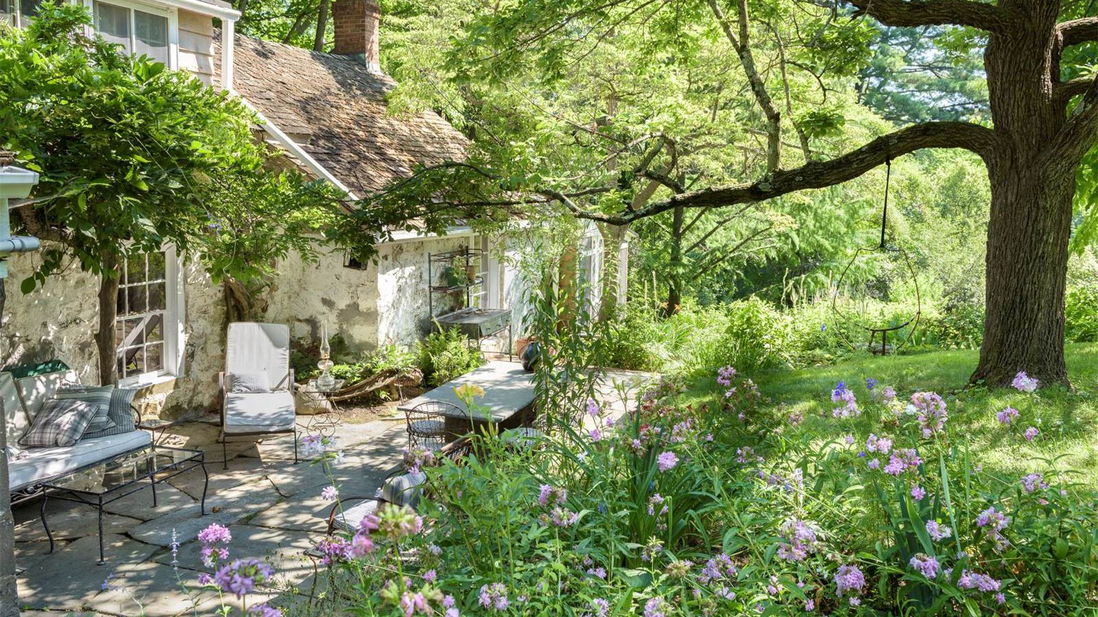 18th century stone house with gorgeous gardens asks 1 6m for Garden design 18th century