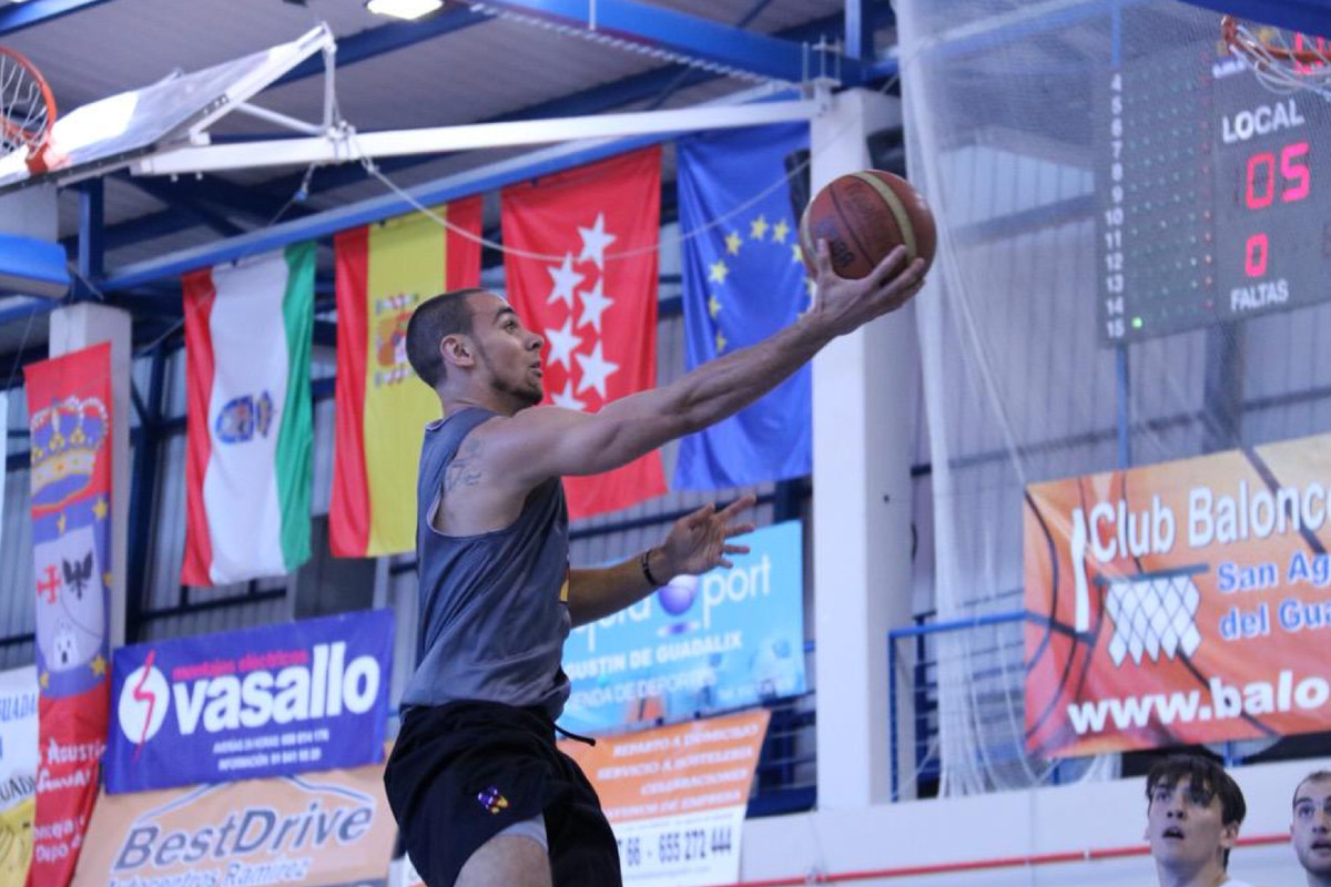 Tre Demps attempts a layup during Northwestern's game on 8/24/15 in Spain.
