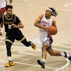 PULLMAN, WA - DECEMBER 9: Washington State guard Isaac Bonton (10) drives to the hoop during the first half of the Battle of the Palouse rivalry between the Idaho Vandals and the Washington State Cougars on December 9, 2020, at Beasley Coliseum in Pullman, WA.