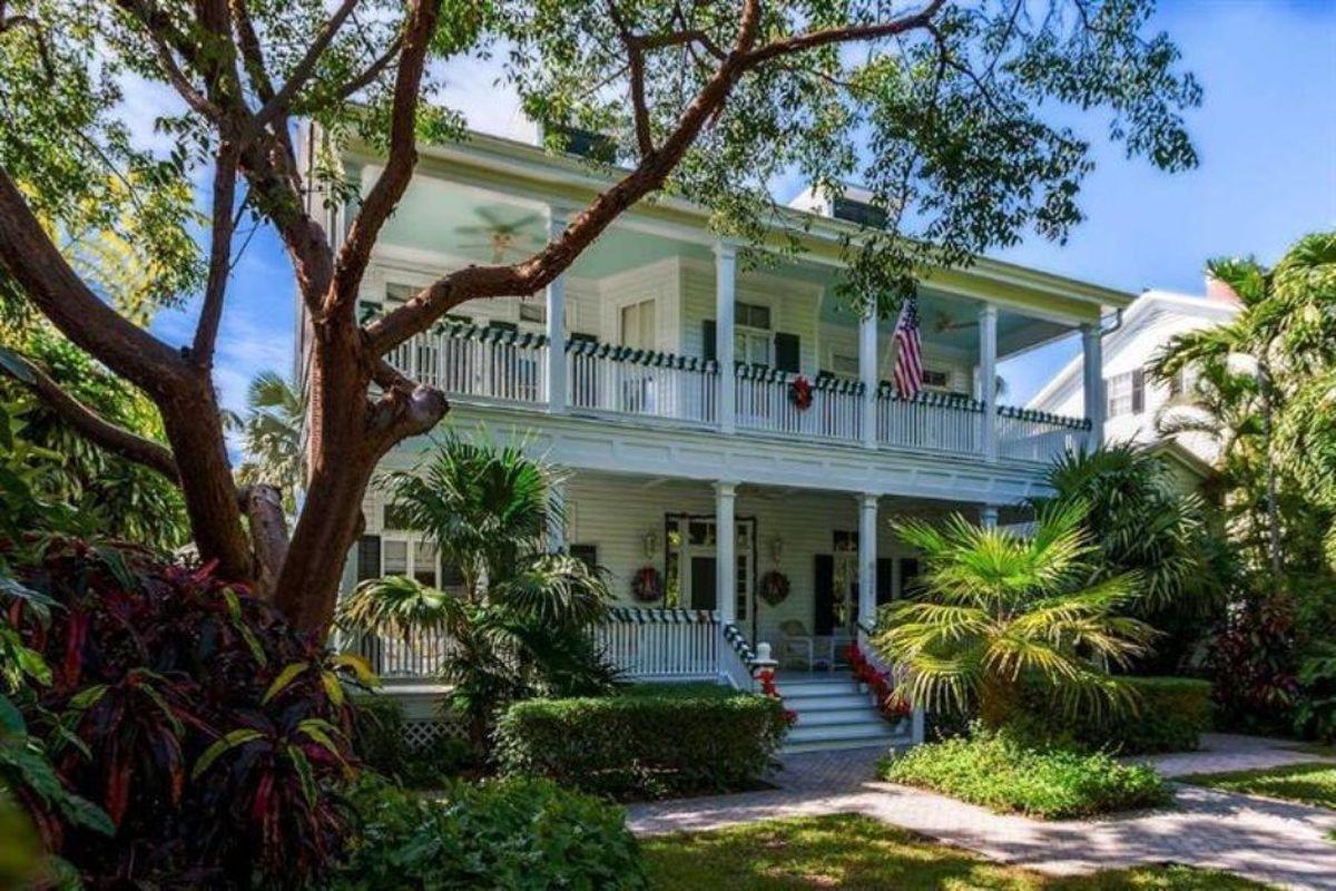 Very Verandah Ed Naval Officer S Home In Key West Is 4 85m Curbed