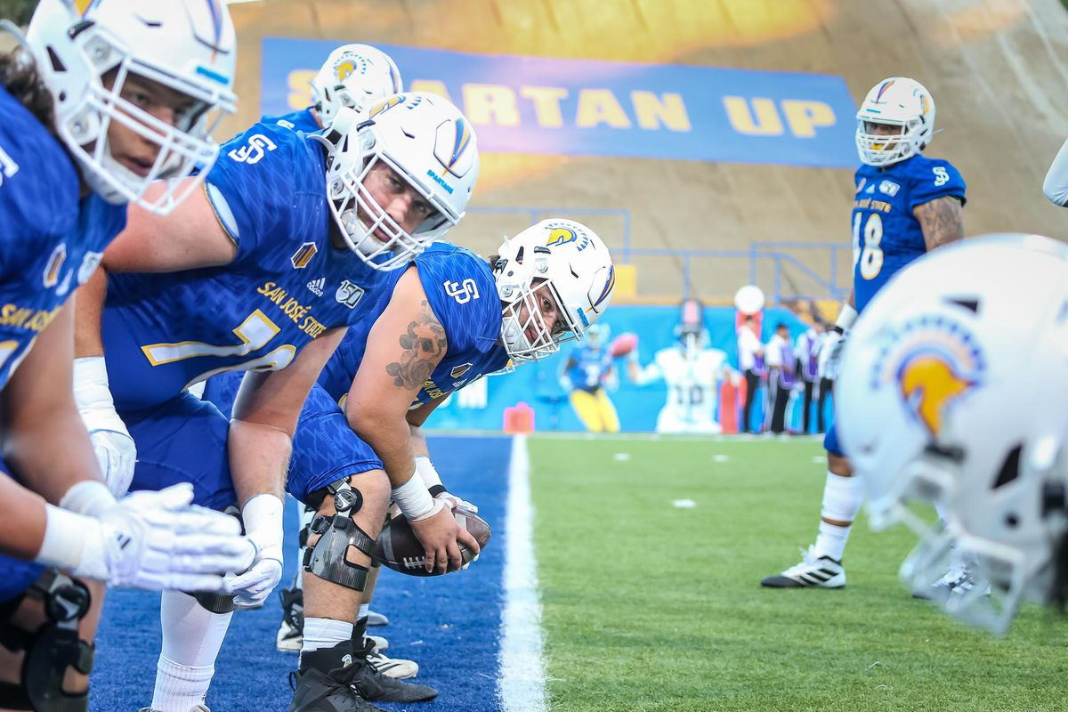 San Jose State offensive linemen preparing against the University of New Mexico
